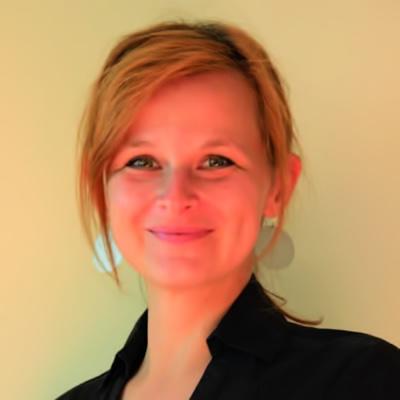 Dr. Claudia Tureček
